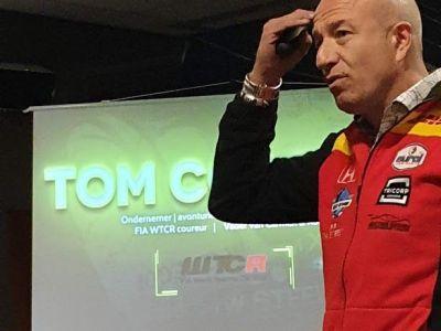 Tom tijdens presentatie 2